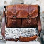 Dámské kožené batohy stále častěji nahrazují kabelky – Nezapomínejte však na jejich impregnaci, pravidelné krémování a speciální čištění